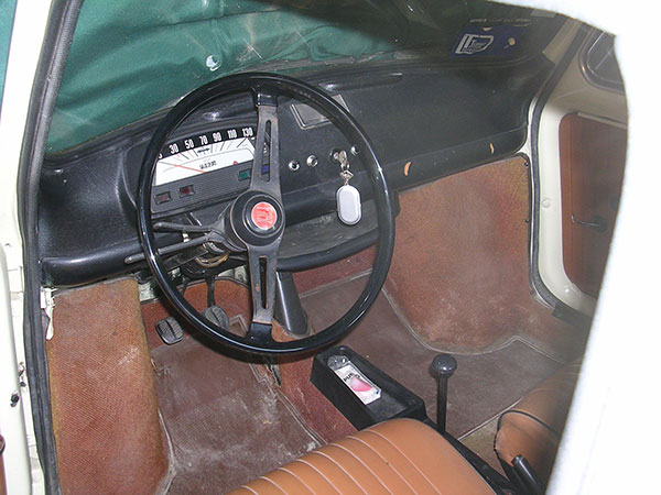 Fiat 500 et d riv s club de france tout sur les autos for Interieur fiat 500